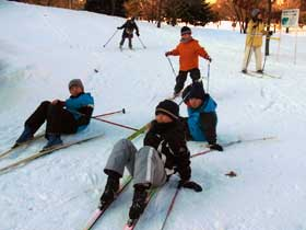 2012年1月4日歩くスキー子供たち